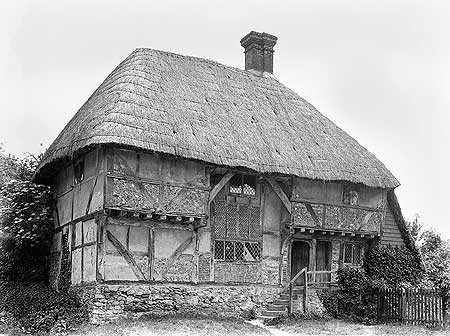 Description: Lloyd's interest in the development of the English house went well beyond brick. The 15th-century Yeoman's House at Bignor is of a Wealden type well known fron Kent.